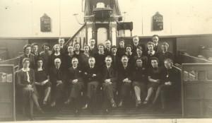 Het net opgerichte koor in 1943